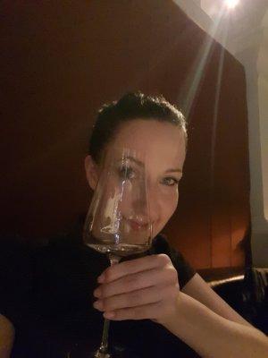 dinner date escort.jpg